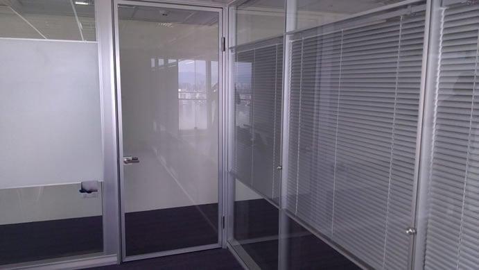 高隔間鋁本色鋁框玻璃門