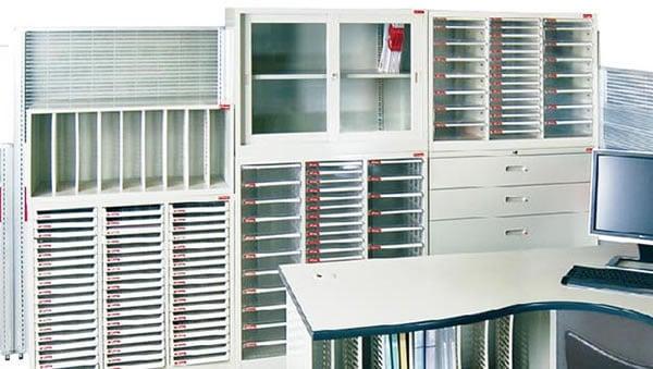 B4V桌上型樹德櫃 搭配理想櫃
